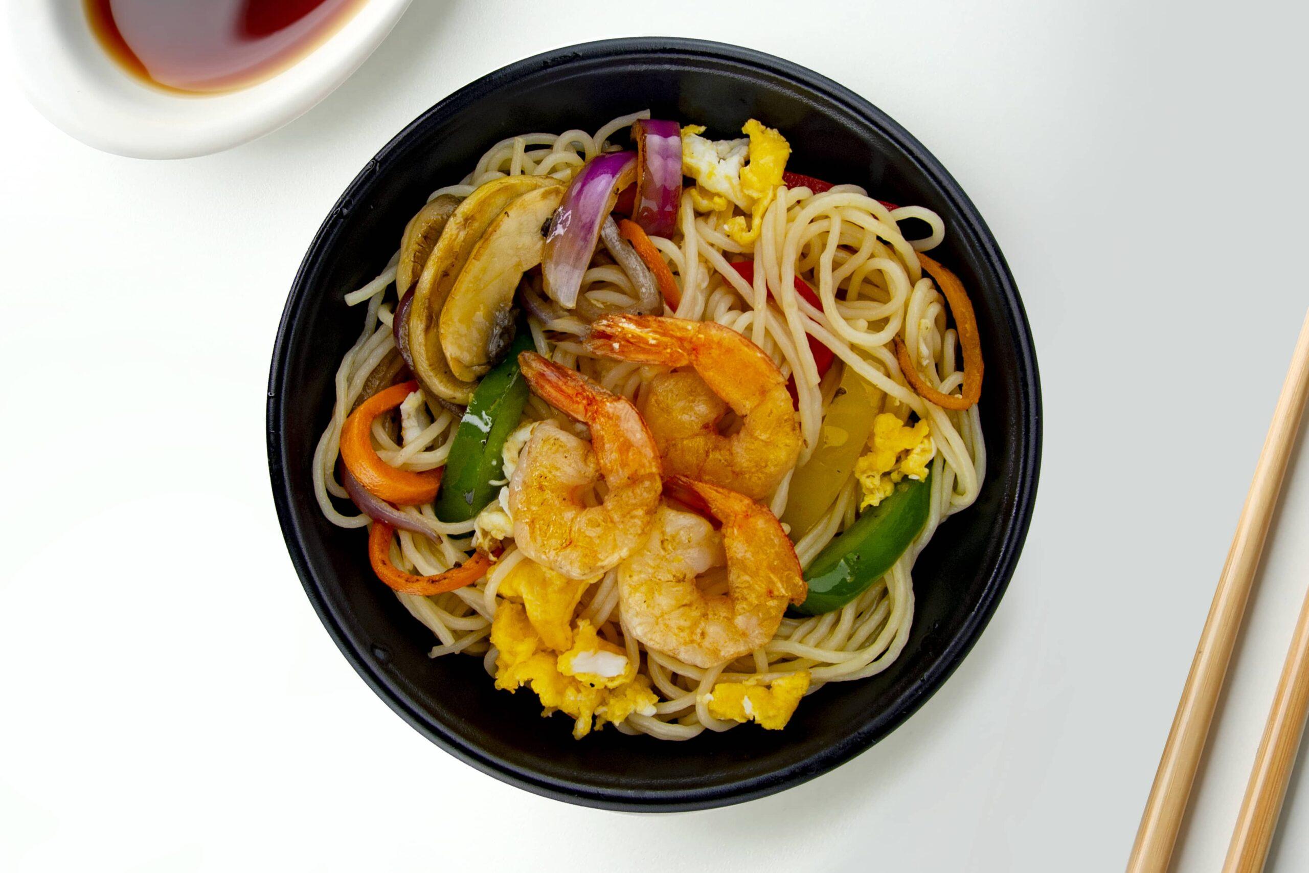 Рецепт смаженої локшини з креветками