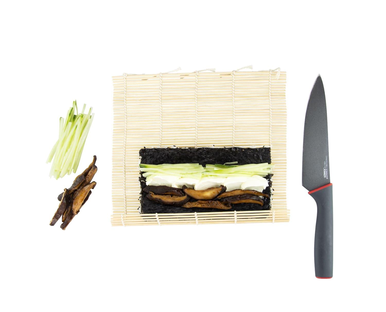 Приготуваня роллу в кунжуті з вершковим сиром і грибами шиїтаке