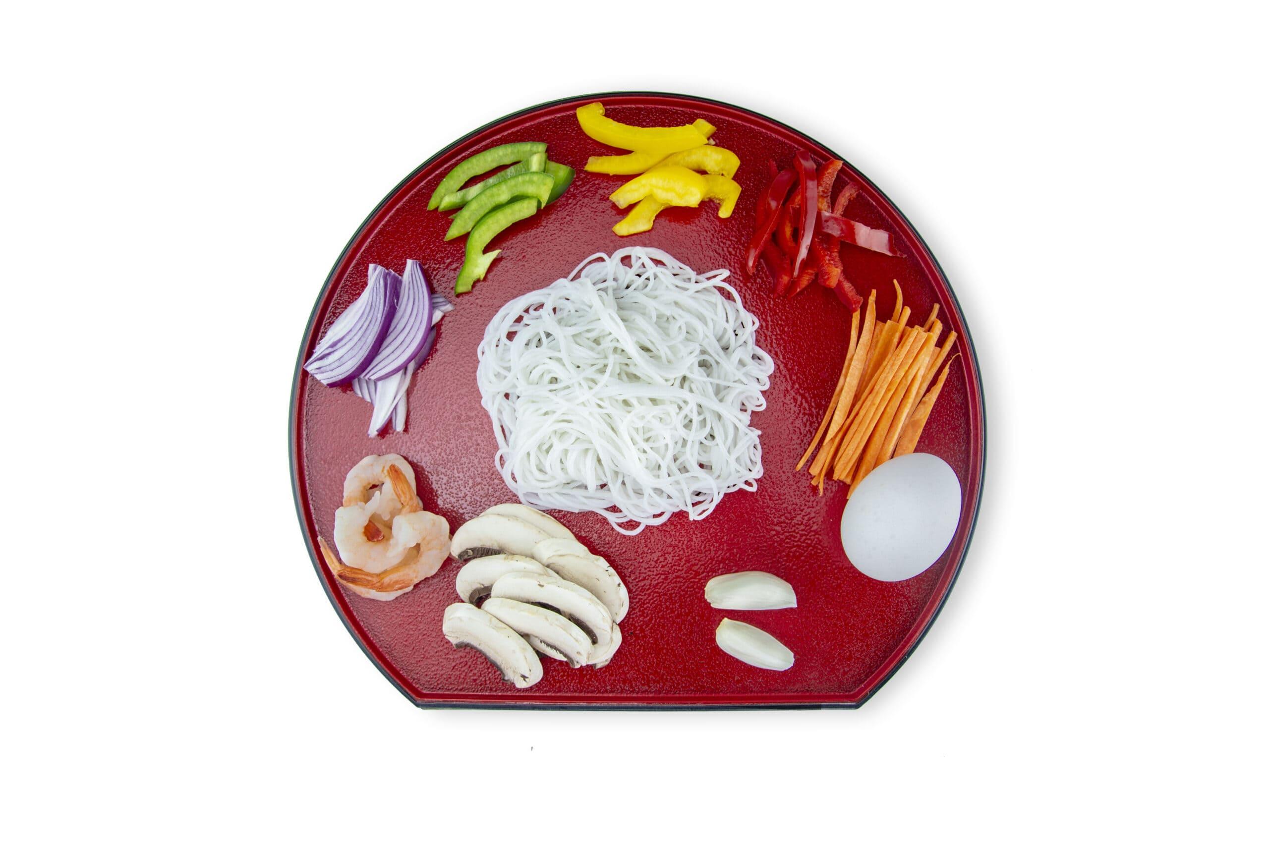Приготовление жареной лапши с креветками