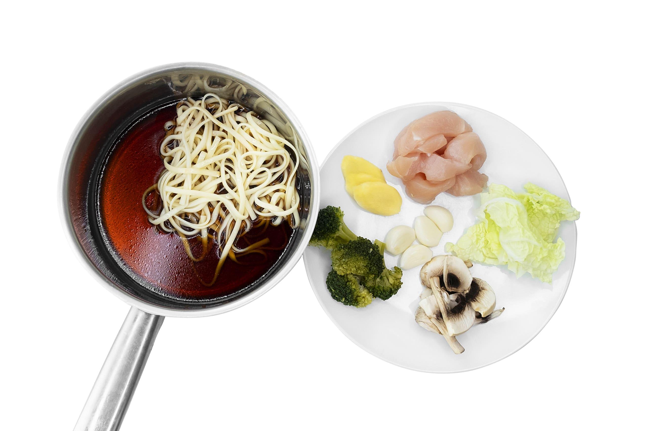 Приготування супу удон