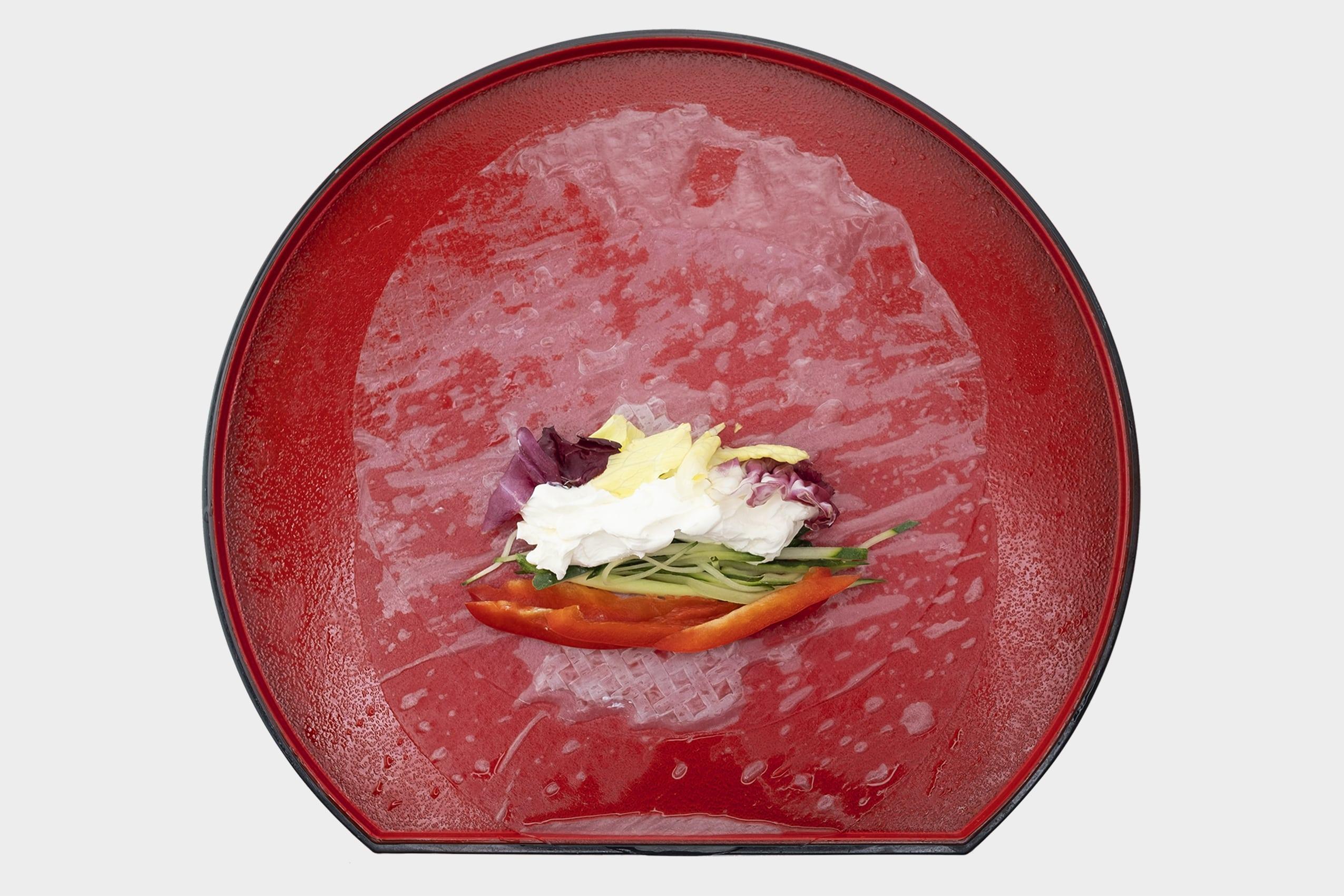 Рецепт приготовления ролла с лососем в рисовой бумаге