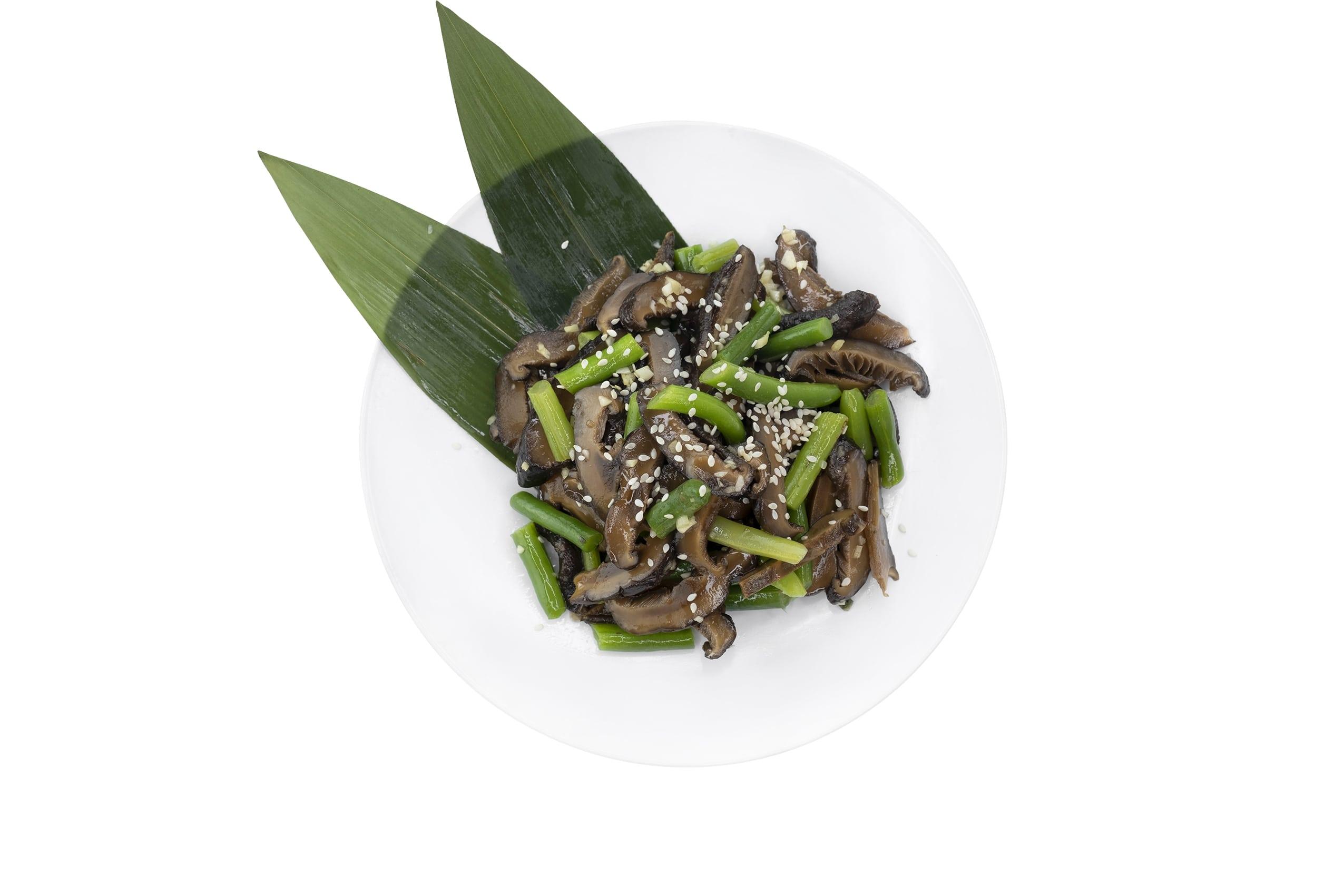 Рецепт приготовления салата с шиитаке и спаржевой фасолью