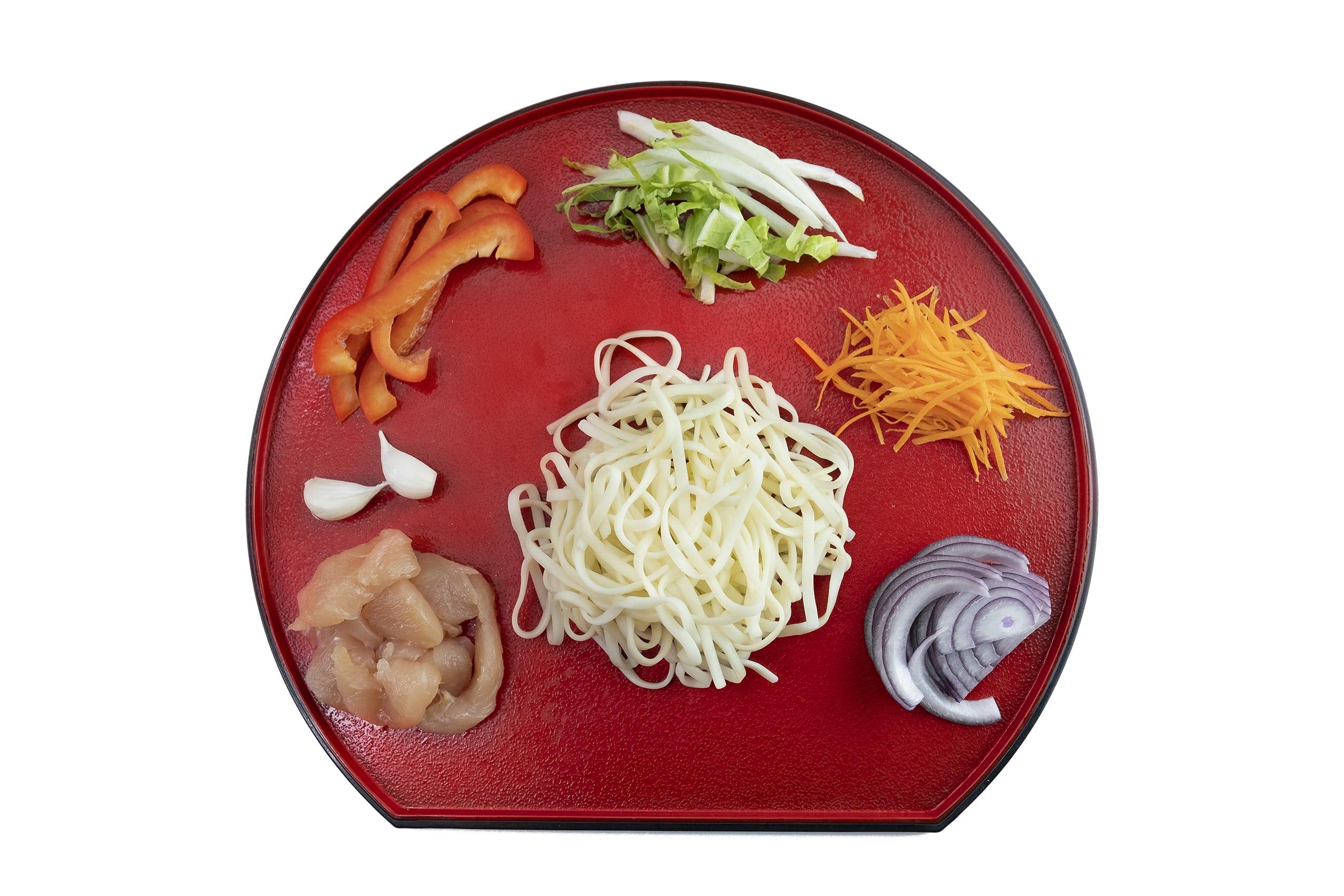 Приготовление лапши Ло-Мейн с курицей и овощами