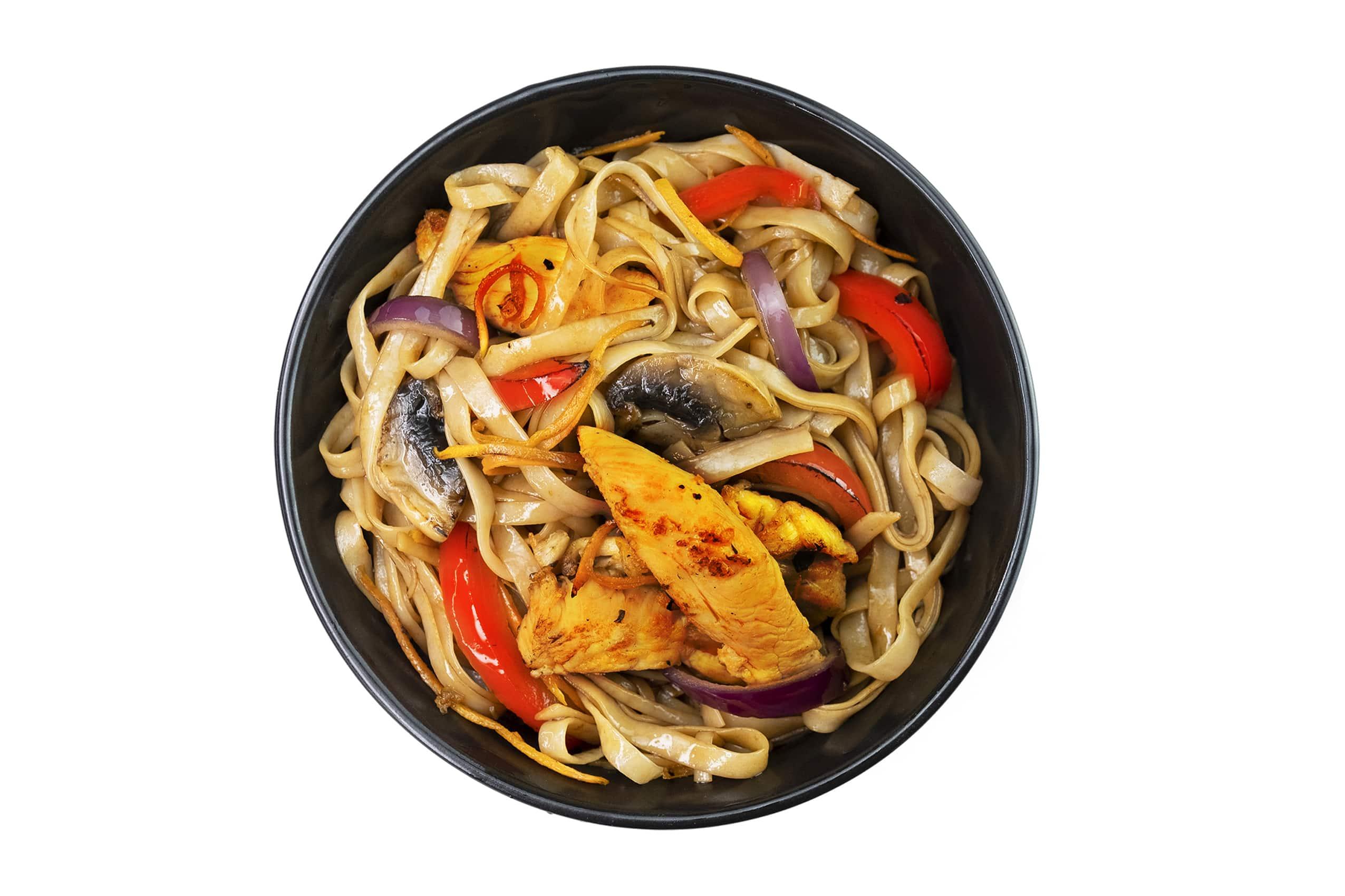 Рецепт рисовой лапши с курицей и овощами по-китайски