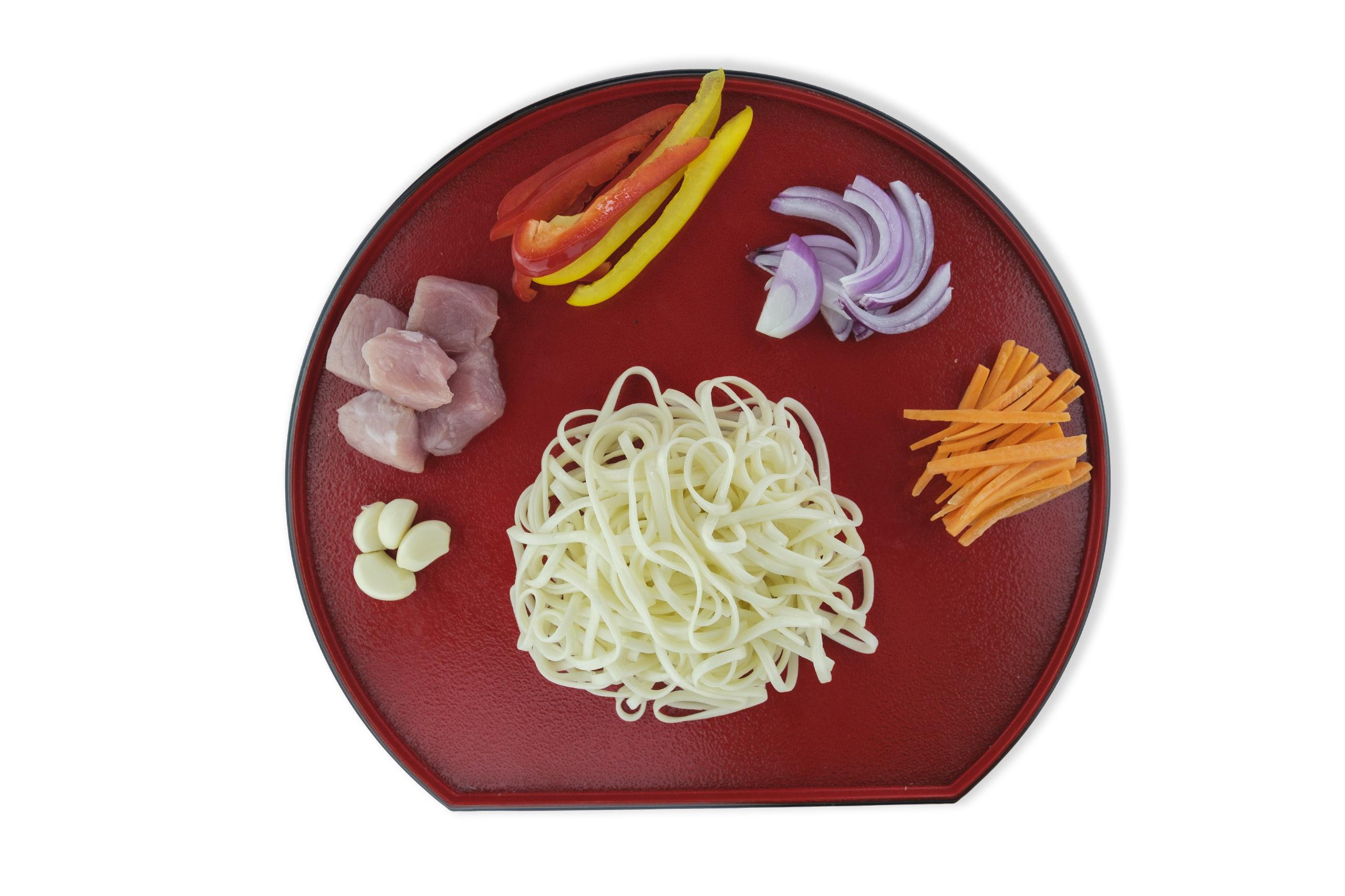 Приготовление удон со свининой и овощами